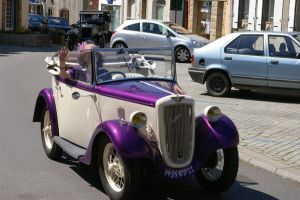 purple car by doulifee