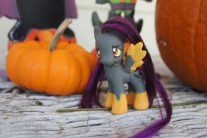 Halloween Pony Custom by LordBoop
