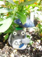 Totoro in the Garden by Thekawaiiod