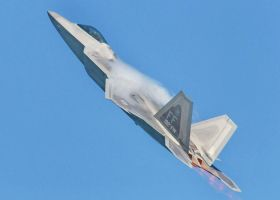 F-22 Pitching Up by aero10