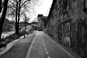 Lungotevere cycle street bw by Masojiro
