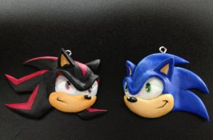 Sonic and Shadow Pendants by Gatobob