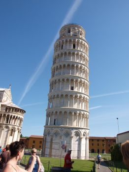 curve tower of Pisa by wolfmag