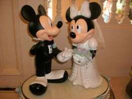 Mr. and Mrs. Mickey Mouse by Minnie-Mousegirl