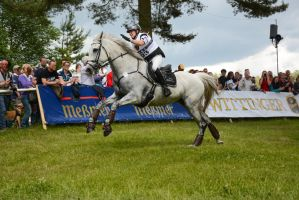 3DE XC Sandra Auffarth praising The Blue Fontier by LuDa-Stock