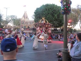 Disneyland Afternoon Christmas Parade by BigMac1212