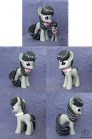 Octavia Custom (Large - 6in) by Amandkyo-Su