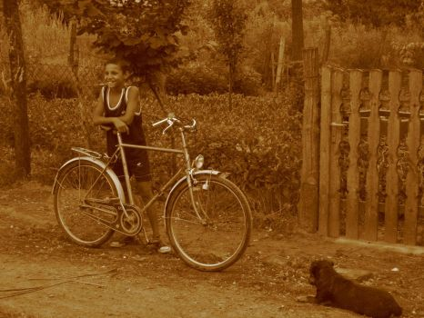 Gipsy with bike and dog by Apex7