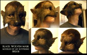 Black Wolven Mask being worn by Magpieb0nes