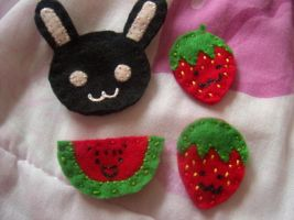 Felt Brooch pins by jely-claris-anne