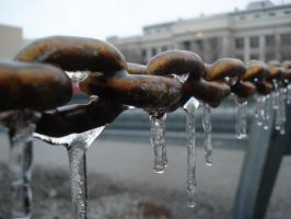 icicles on a chain by pungen