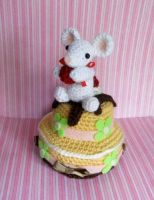 Once upon a time a mouse.. and a cake! by missdolkapots