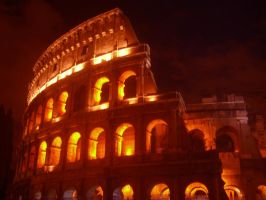 colosseum at nght by DelMuro