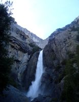 Yosemite Falls by dwarfeater