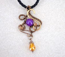 Vintage wire wrapped pendant with purple agate by IanirasArtifacts