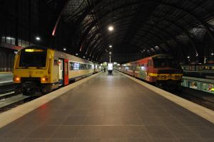 Central Station Antwerpen by Night by K-a-n-e
