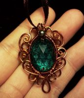 Simple vintage wire pendant by CovenEye
