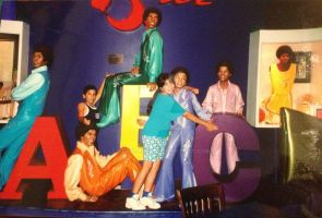 Jackson 5 at Motown Cafe in 2000 by Glam-Baby