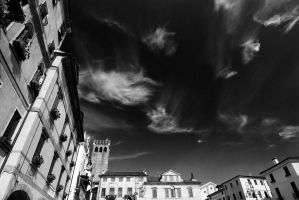 nuvole rapide-bw by nonsodove