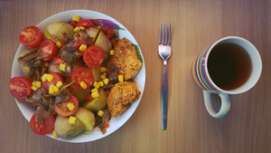 Chicken with potato, mushrooms, carrot, tomato... by Yami19