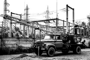 Old Crane by Hyanide