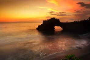 pure Tanah Lot by nooreva