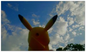 PHOTOGRAPHY. Pikachu in the sky by Utsutsu-chi