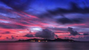 sunset over Praslin by fly10