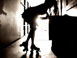 silhouette of a rollergirl by starryday