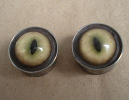 Glass slit eye plug earrings by missmonster