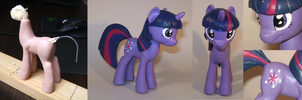 Twilight Sparkle by Sparkydahousewolf