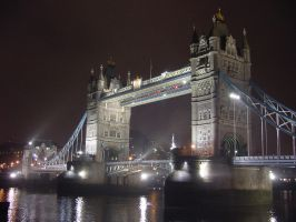 Tower Bridge by OrioNebula