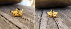 Pikachu Pokemon Earrings - Fanart Videogame by Tsurera