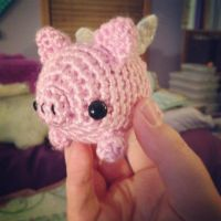 mini flying pig by theyarnbunny