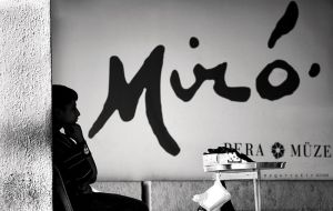 thinking Miro by oscarsnapshotter