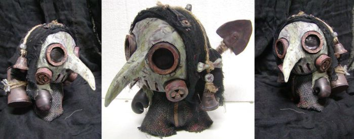 Plague Doctor Munny by jonathanscarecrow