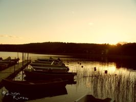 The Last Light Over The Lake by Plindisen