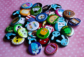 .+ Button Pile +. by tobi2moodring