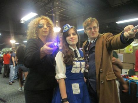 River, TARDIS and Doctor by TheAnimefreak69