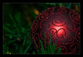 Red Ornament by keriwgd