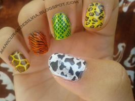 Zoo in my nails by kotobayaoi