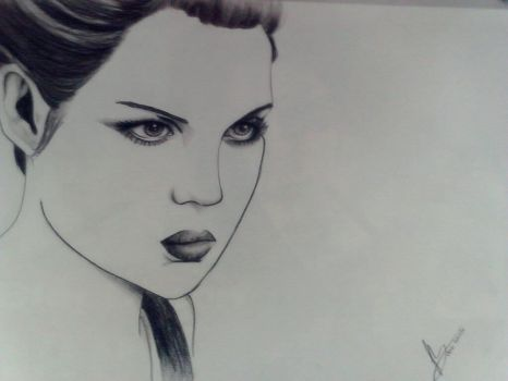 Pencil Portrait by RukyStyle25