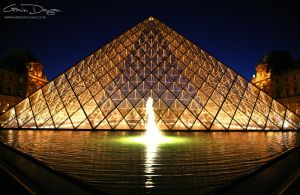 The Louvre Pyramid by gdphotography