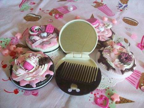 Decoden Cookie Mirrors by lessthan3chrissy