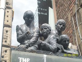 Beatles Statue by GoodDaySunShineXD