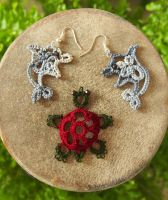 tatted dolphin earrings and turtle pendant by MirachRavaia