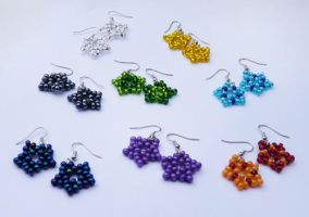Beaded star earrings by netherwings
