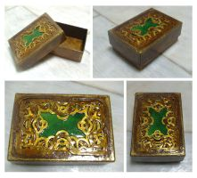 Gold Knotwork Box by blue-fusion