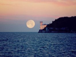 Moon over Castello Miramare by dvixen