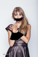 Taylor Swift gagged AGAIN by kidnappouja